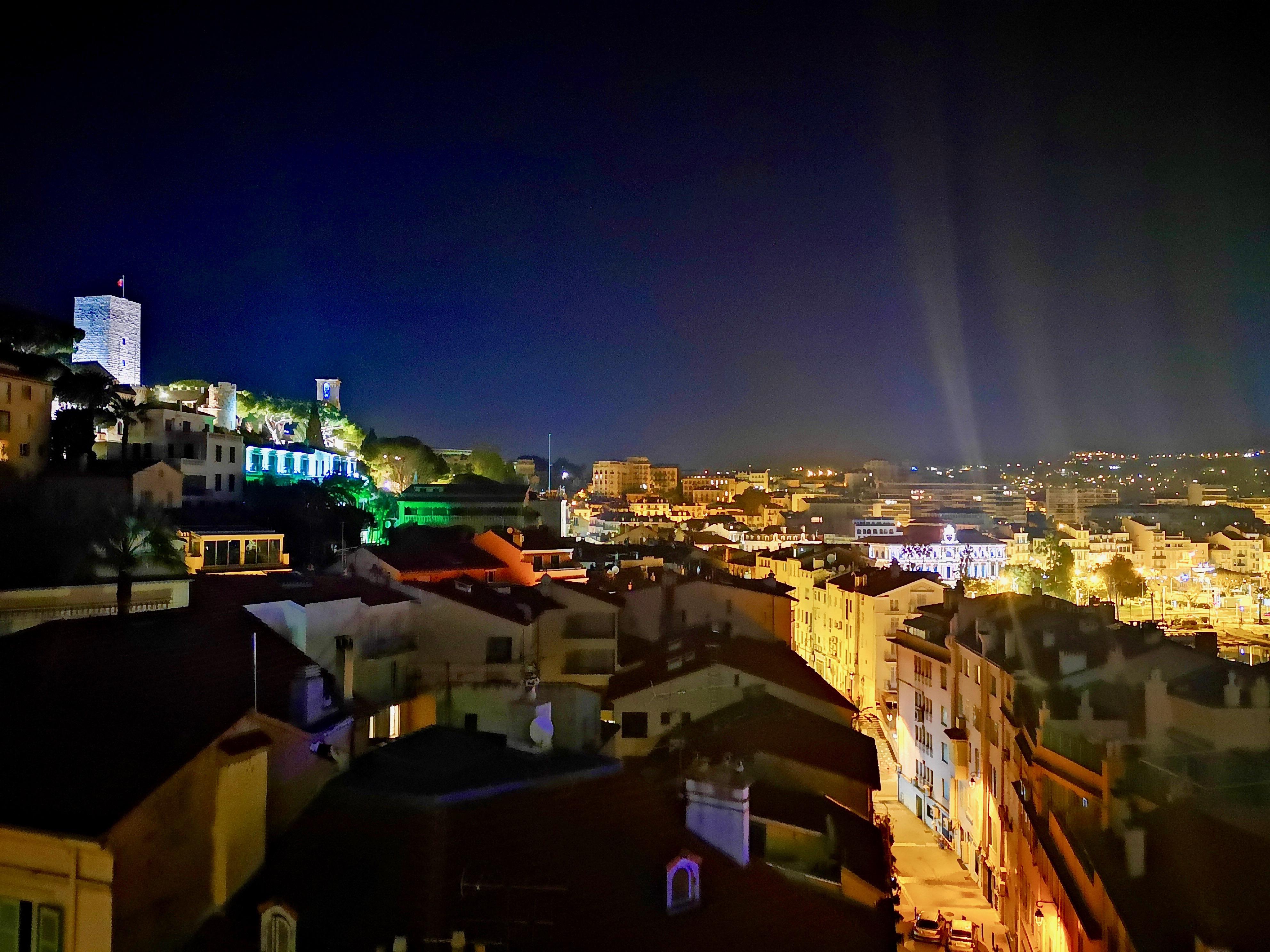 Suquet Cannes Radisson Blu vue