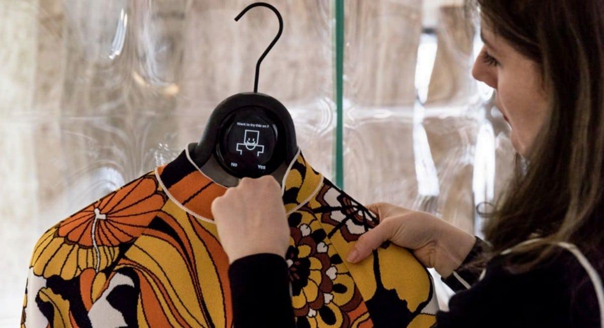 Cintre intelligent shopping innovant Paris