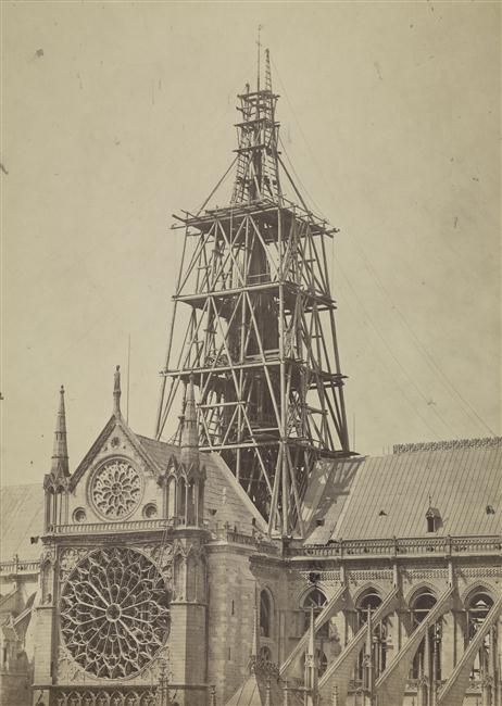 Construction fleche Notre-Dame