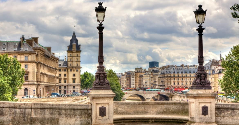 Homard-poete-rues-paris