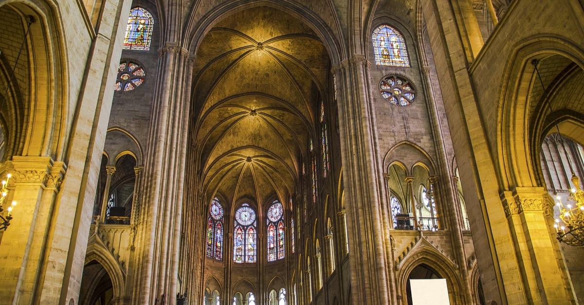 Notre Dame tribune expert Macron