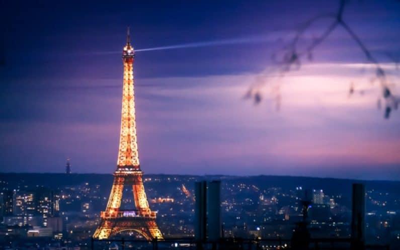 Faux Paris 1918 lumineux
