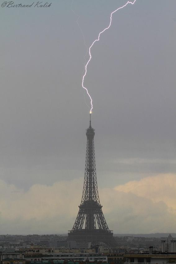 Paris orage 8 mai Tour Eiffel