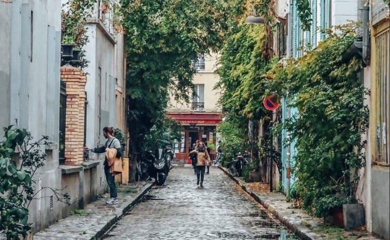 Le lieu bien gardé : la rue des Thermopyles