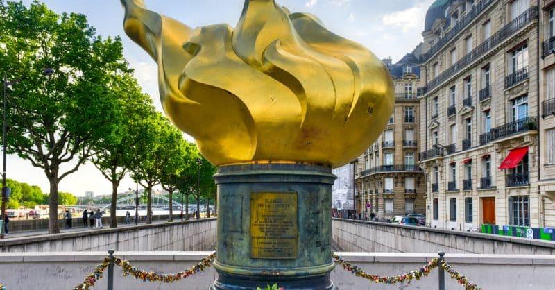 diana place parisienne