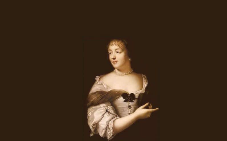 Femme portrait parisienne Sevigne