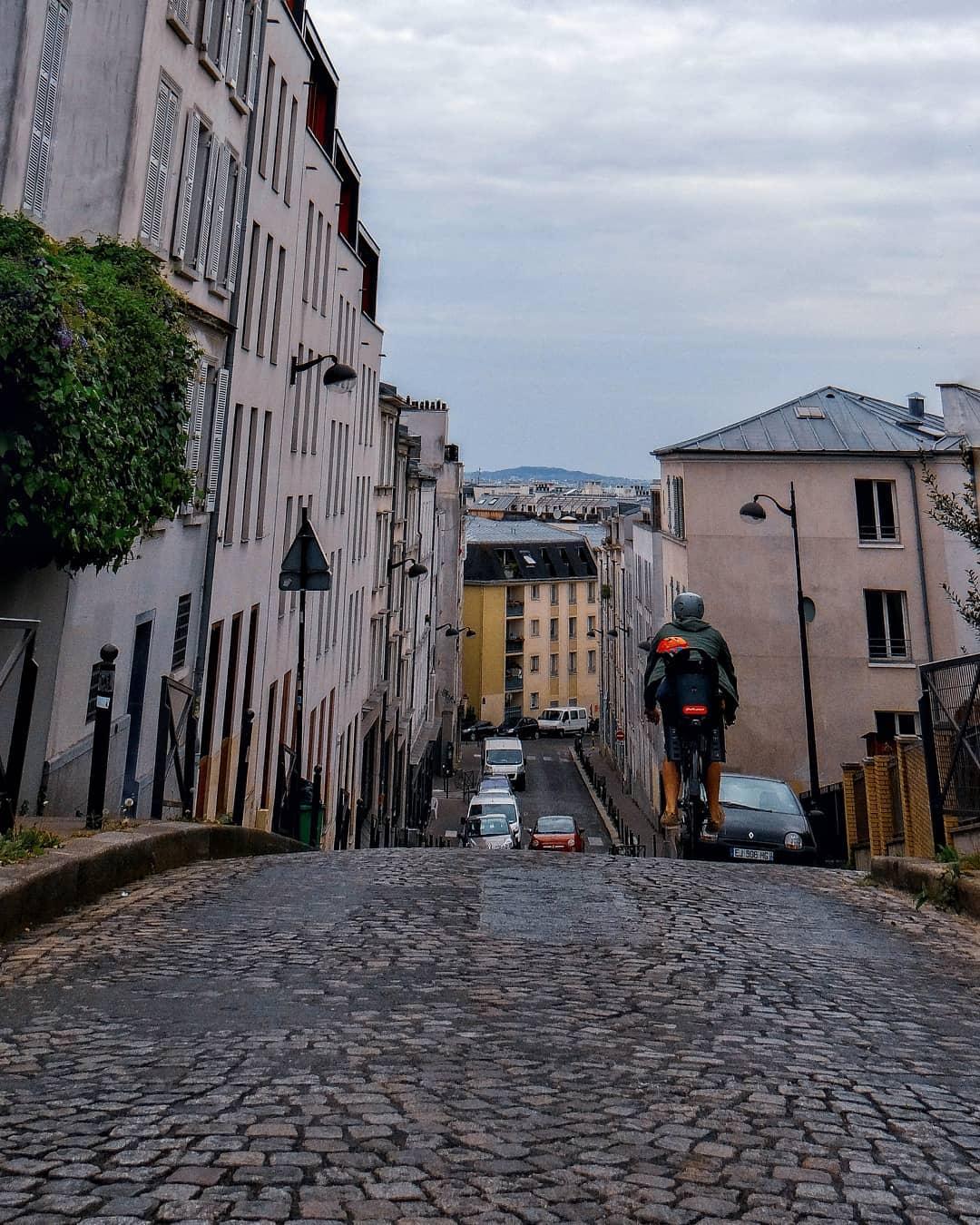 rue plus pentue de paris