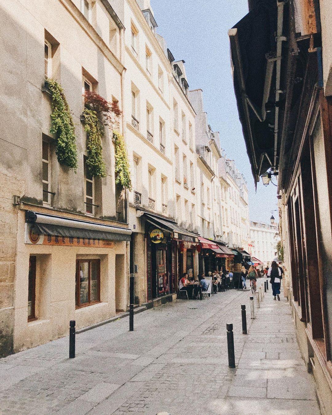 vieille rue de paris