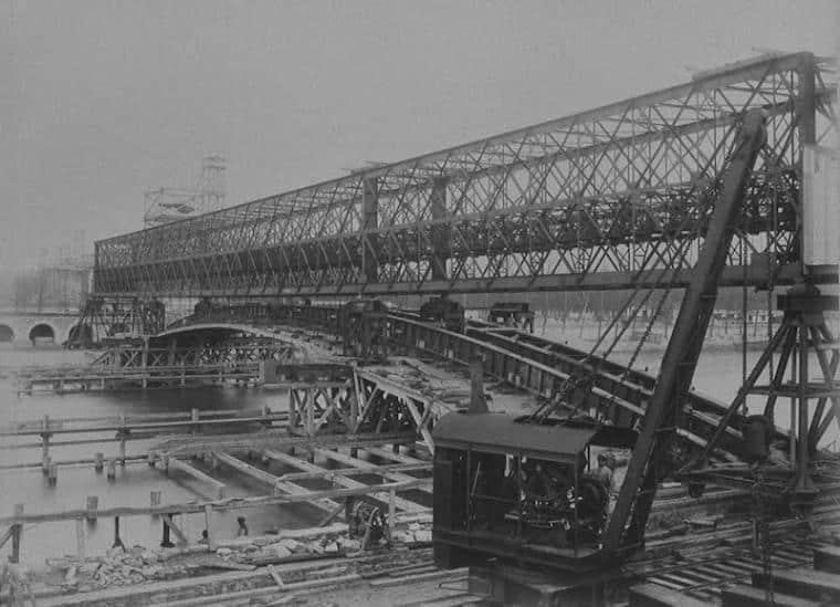 En images : le pont Alexandre III, de sa construction à aujourd'hui