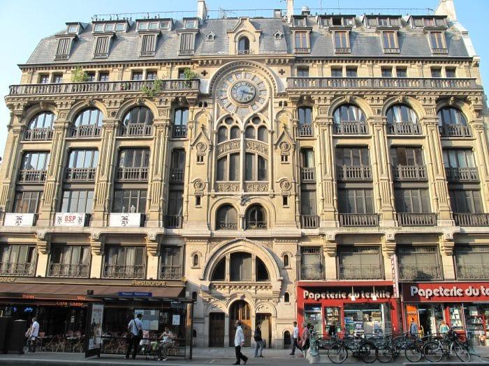 balade paris visite immeuble cathedrale rue reaumur