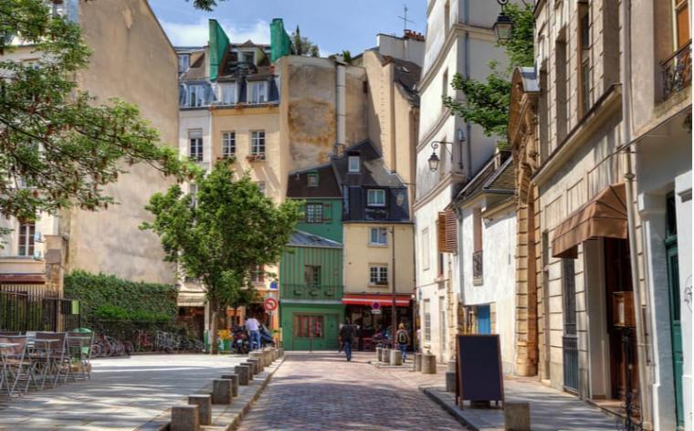 Paris : une immense maison de campagne mise aux enchères | Vivre Paris