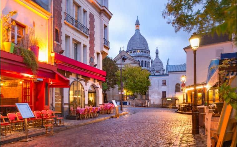 img https://vivreparis.fr/wp-content/uploads/2020/06/place-du-tertre-montmartre.jpg /img