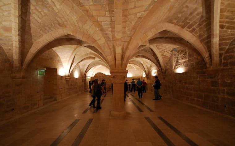 caves hotel beauvais paris