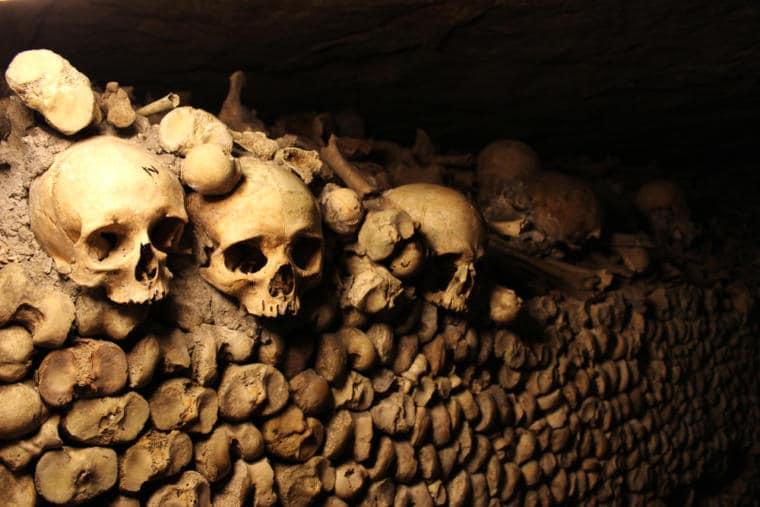 catacombes parisiennes