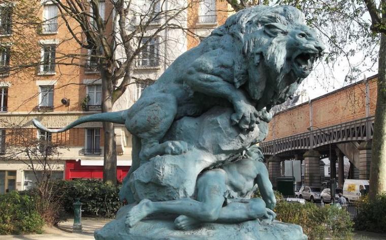 Lion du square Cambronne Paris