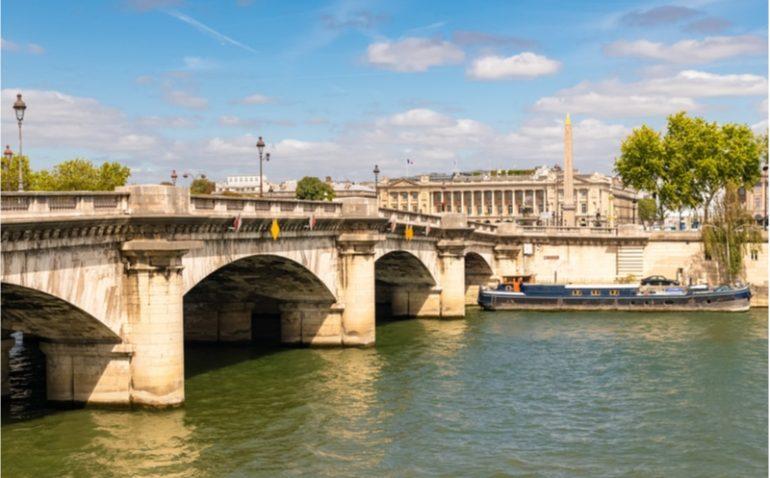 pont concorde obelisque paris