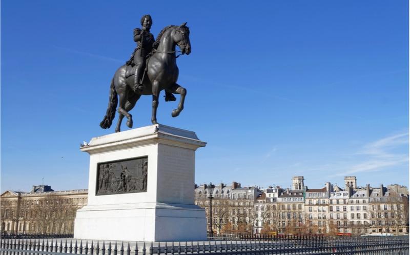statue henri iv pont neuf paris