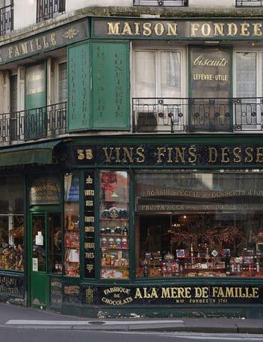 Boutique historique A la Mère de Famille, Paris 9e