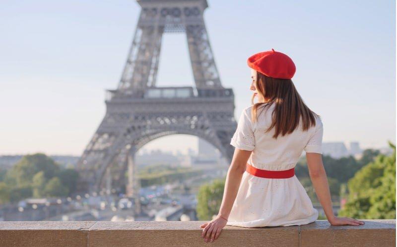 Emily in Paris (Netflix) : de nombreux figurants parisiens recherchés pour la saison 2