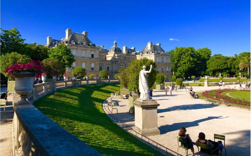 Le plus ancien manège de Paris est au jardin du Luxembourg | Vivre Paris