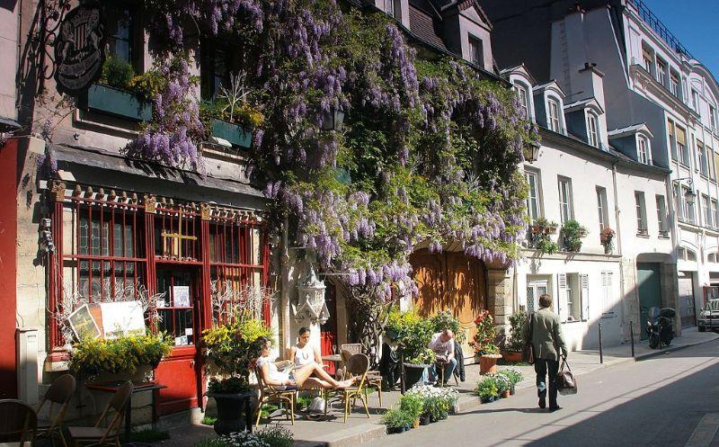 La rue Chanoinesse, Paris
