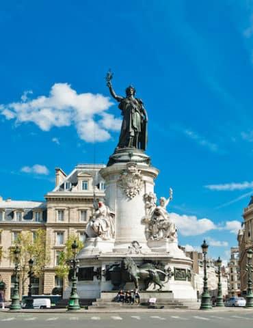 statue republique